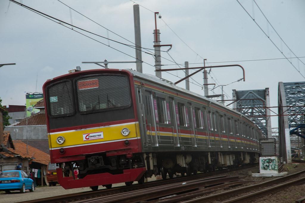 JR 205-0 (205-26 +205-21) ; Blue Line ( Cikarang) ; PJL 81 (Near Stasiun Bekasi)