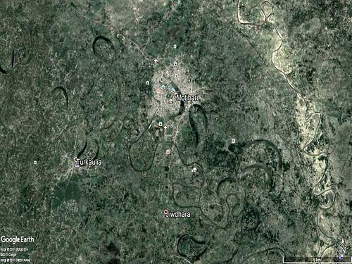 चम्पारण में गंडक और बूढ़ी गंडक के बीच तालाबों, झीलों, बरसाती नालों के शृंखला जो एक दूसरे से जुड़कर बाढ़ के पानी को संग्रहण और बहने का समानान्तर प्राकृतिक व्यवस्था देती है