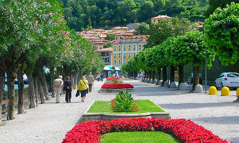 Lake Como Lake Garda northern Italy