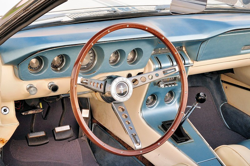 11-1963-ford-mustang-2-interior