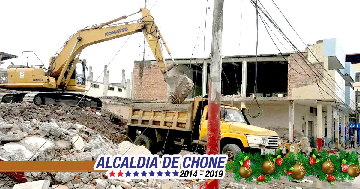 Continúan demoliciones de edificios y viviendas en Chone