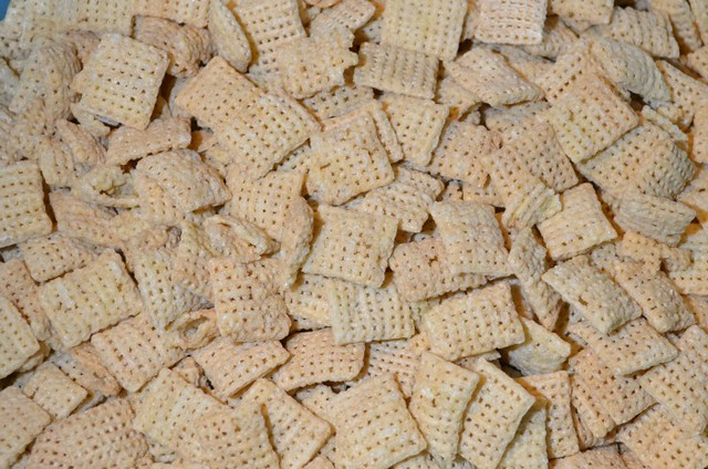 rice chex cereal for almond butter muddy buddies on the SIMPLE moms