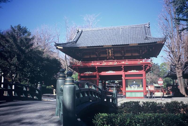 KONICA HEXAR RF+Voigtlander Color Scopar 35mm f2.5根津神社の山門