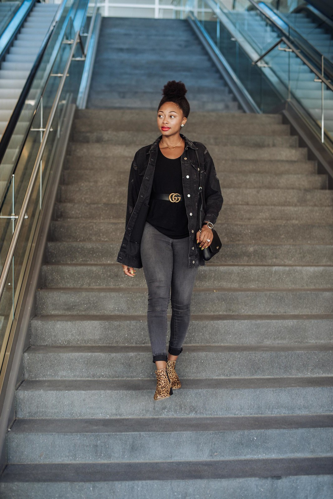 how to style a top knot with natural hair