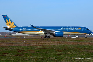 350.941 VIETNAM AIRLINES F-WZHK 173 TO VN-A895 09 12 17 TLS