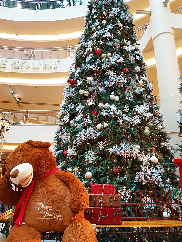 mid valley christmas 2017 teddy bear tree