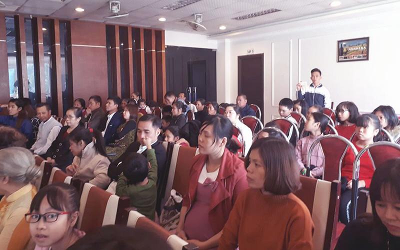 Hội Thánh Sơn Tây truyền giảng Giáng sinh có gần 100 người tham dựu (1)