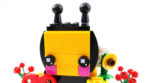 LEGO Seasonal BrickHeadz Valentine's Bee (40270)
