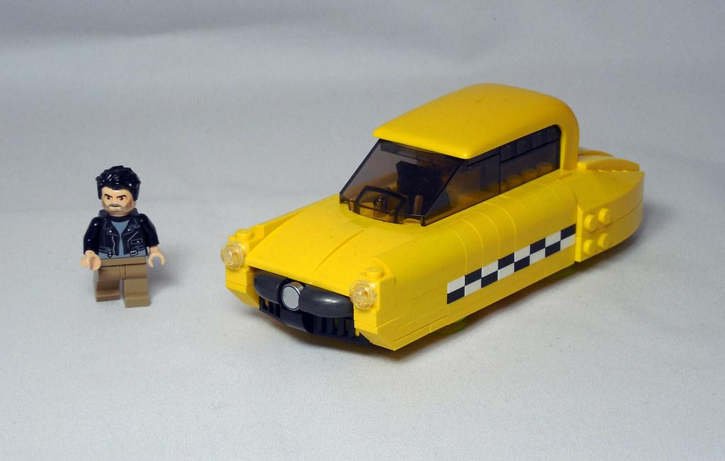 LEGO® MOC by Vitreolum: Cyberpunk #9 – Multipass!
