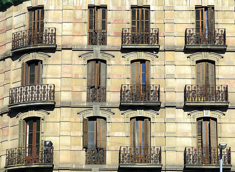Corner flats, Barcelona