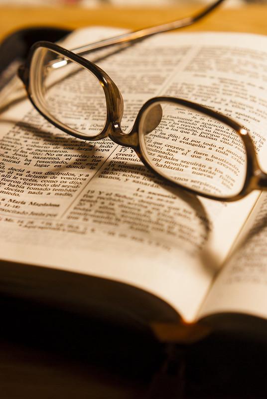 enoc-valenzuela-biblia1