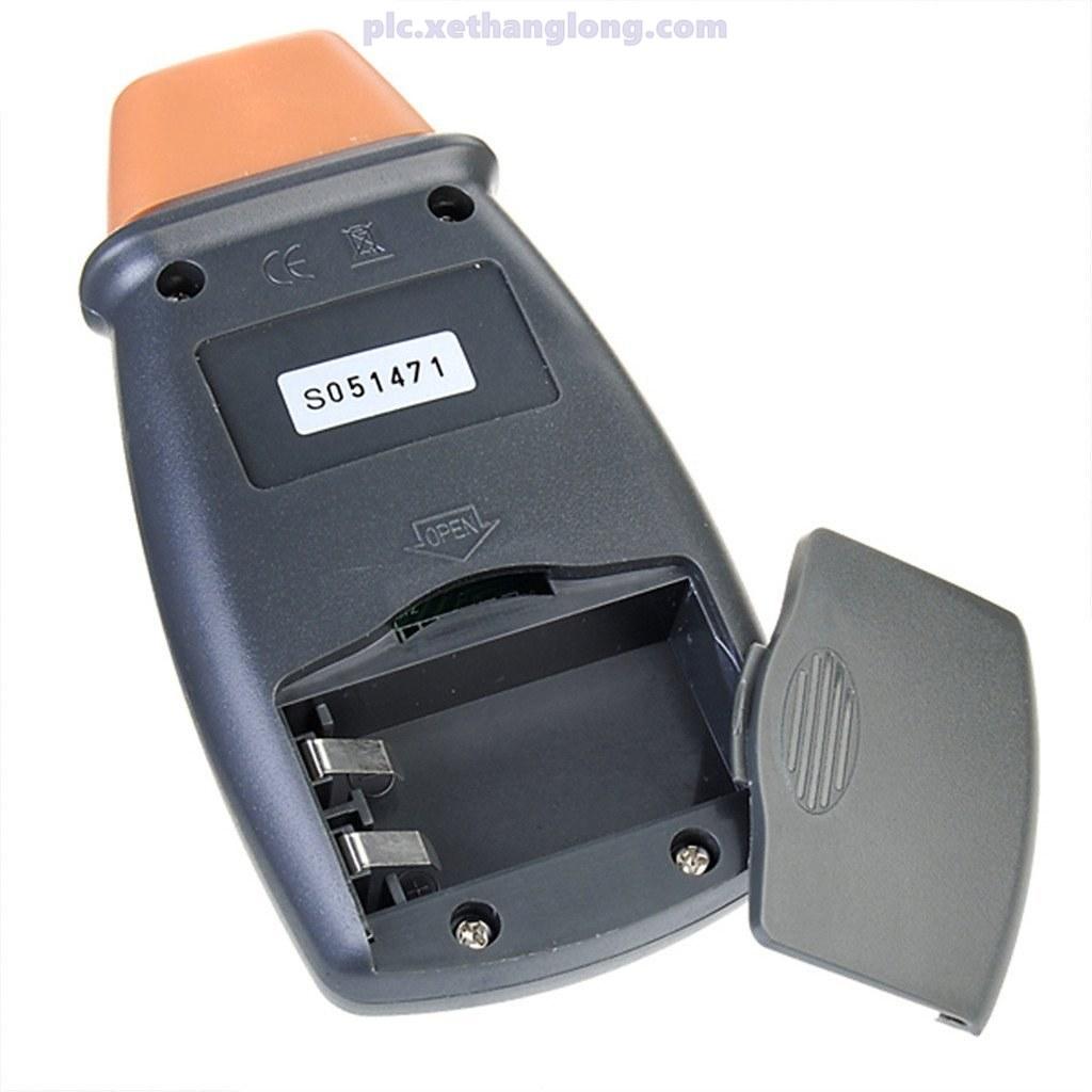 Máy đo DT2234C sử dụng pin 9V, dễ dàng thay thế