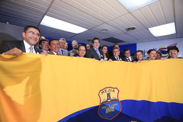 Ministro Fander Falconí desayunó con el Frente de Profesionales Ex-Mejía