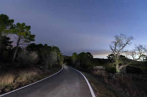 carretera nocturna 24770506317_cfb997bd24