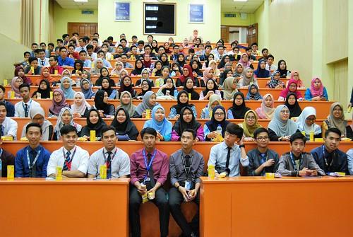Lawatan pelajar PASUM ke fakulti kejuruteraan, 19 Jan 2018