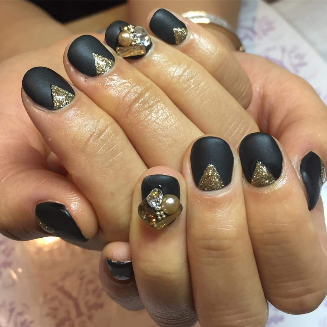 50 Pretty Summer Nails manicures-Nails Art 2018