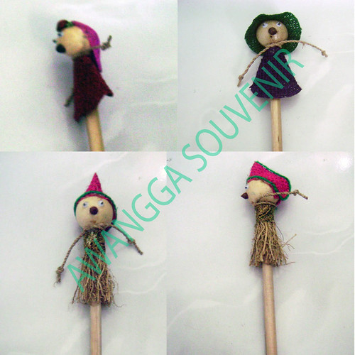 souvenir pensil boneka Natural 3