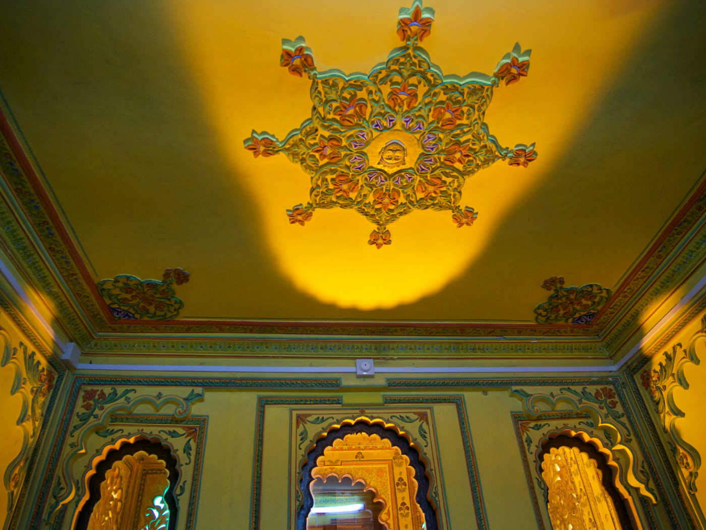 800-India-Udaipur