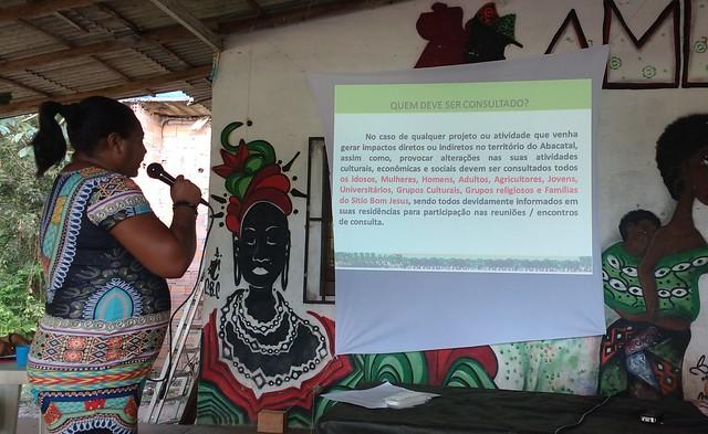 Comunidade quilombola de Abacatal construíndo seu Protocolo de Consulta Prévia, Livre e Informada - Créditos: Lilian Campelo