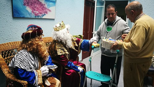 Cáritas La Oliva lleva los Reyes Magos a la Residencia de Amor y Sacrificio