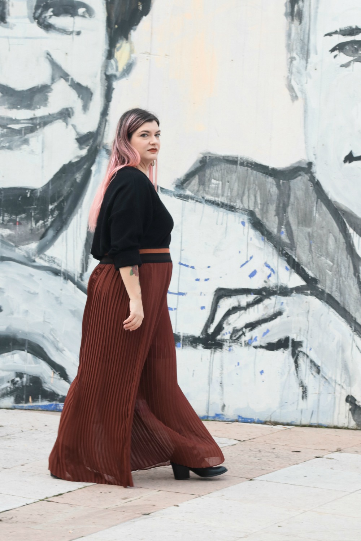 Outfit_plus_size_curvy_pantaloni_palazzo_elvi_cappotto_handmade_Franco (5)