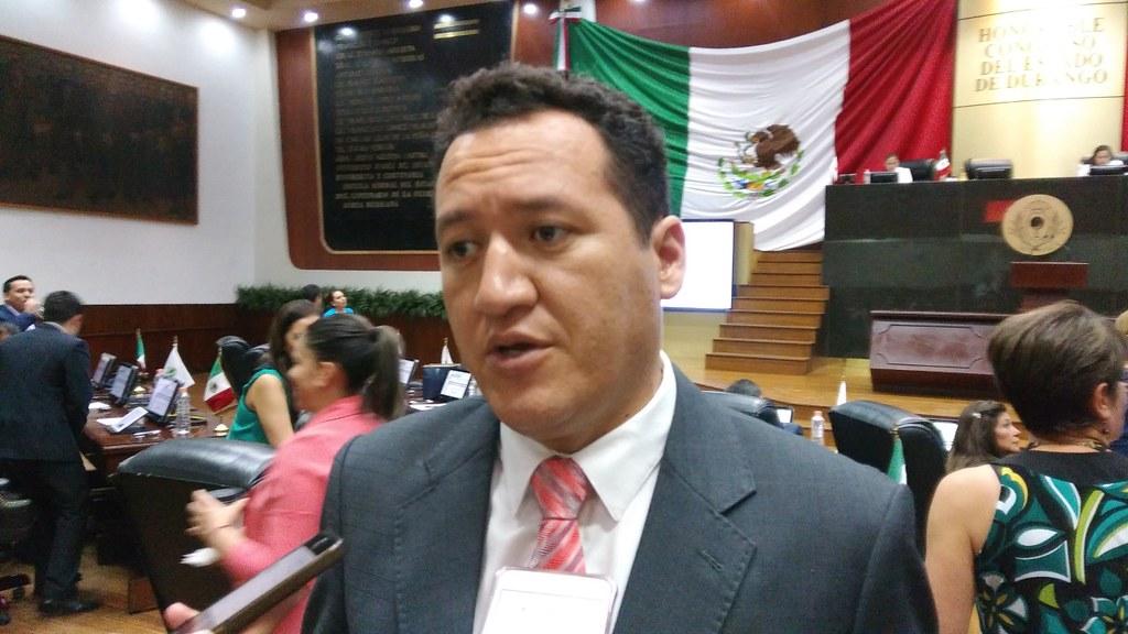 PÁG. 4 (1). Adán Soria Ramírez, como presidente municipal fue despótico, opaco y otorgó...