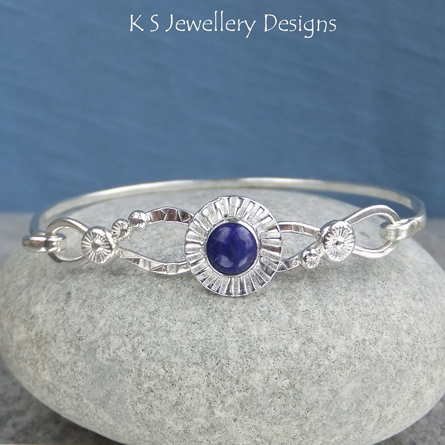 Lapis Lazuli Daisy Cup Twisted Wire Sterling Silver Bangle