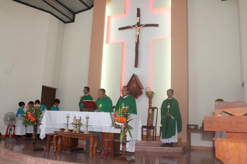 Thánh lễ tạ ơn cuối năm Đinh Dậu tại giáo xứ Đa Lộc