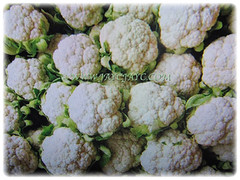 Brassica oleracea var. botrytis (Cauliflower, Broccoli, Calabrese, Romanesco) sold in a supermarket, Feb 23 2018