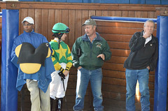 2017-10-30 (15) r2 jockey Jenn Miller gets instructions from trainer Patrick Magill - Herb Butts to the right
