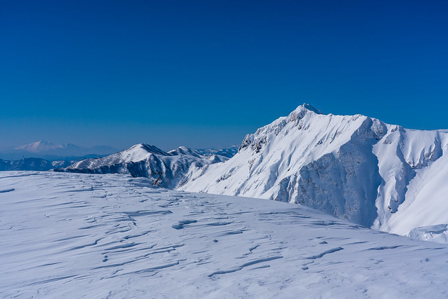 俎嵓、、、左隅に浅間山が薄っすら