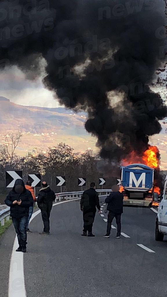 Incendio raccordo a Vietri il 31-01-18