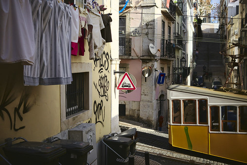 Bica tram  #street #lisbon #t3mujinpack