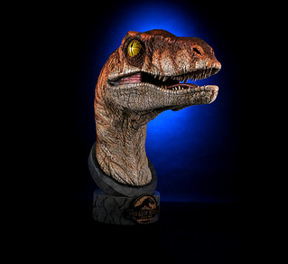 致命的狩獵者登場~! Chronicle Collectibles《侏羅紀公園:失落的世界》公迅猛龍 The Lost World: Jurassic Park Male Velociraptor 1:1 比例頭像作品