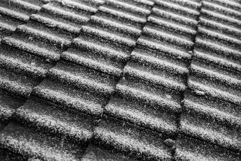 FILM - Snowy tiles