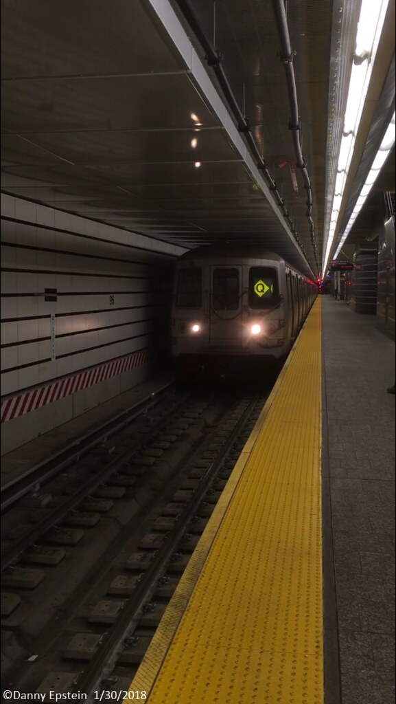 R46 (Q) train at 96th street.