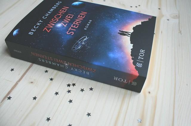 Becky Chambers: Zwischen zwei Sternen