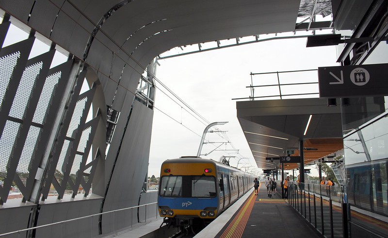 Train departs new Noble Park station