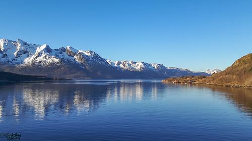 meer berg sonne nordland norwegen no