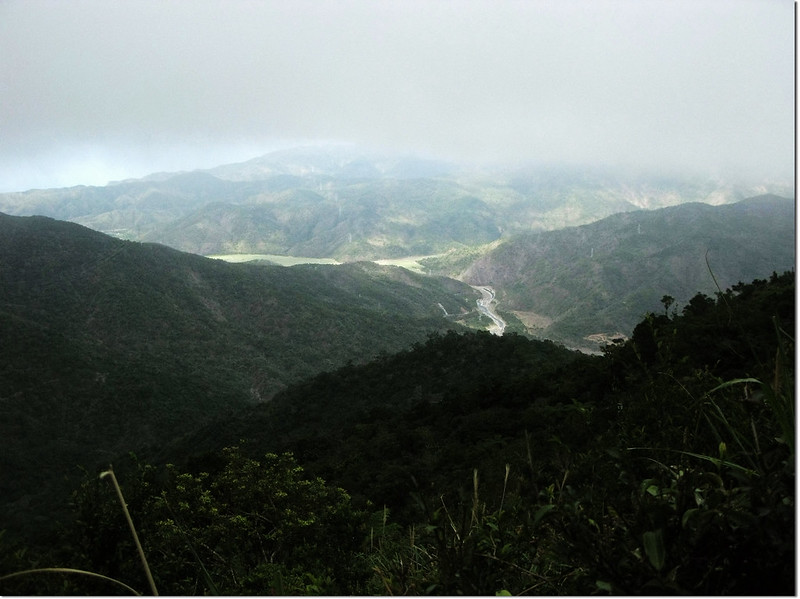 牡丹路山790山頭北眺群山