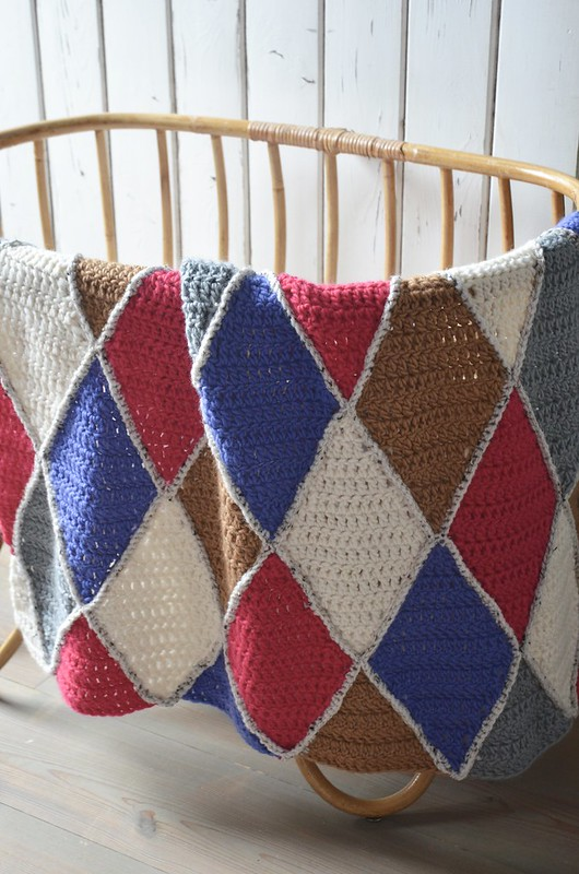 woodwoolstool harlequin baby blanket