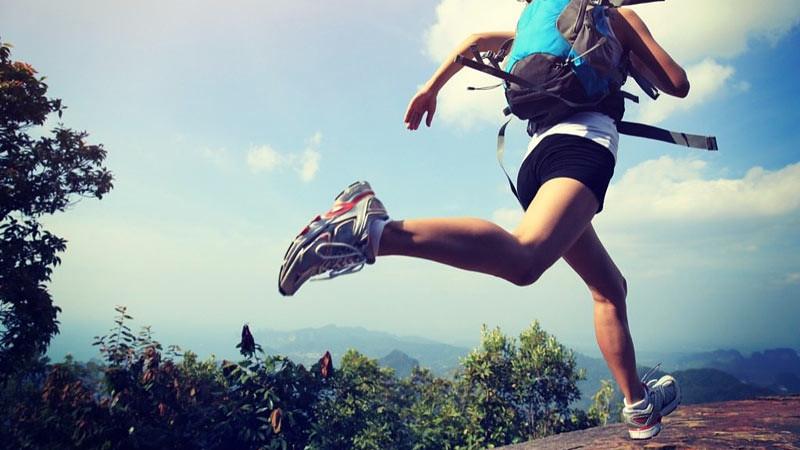 Berolahraga saat traveling dapat dilakukan dengan sederhana.