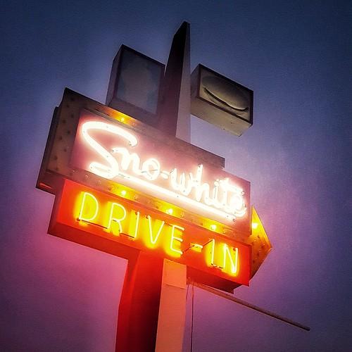 sno-white drive-in   paradise   modesto