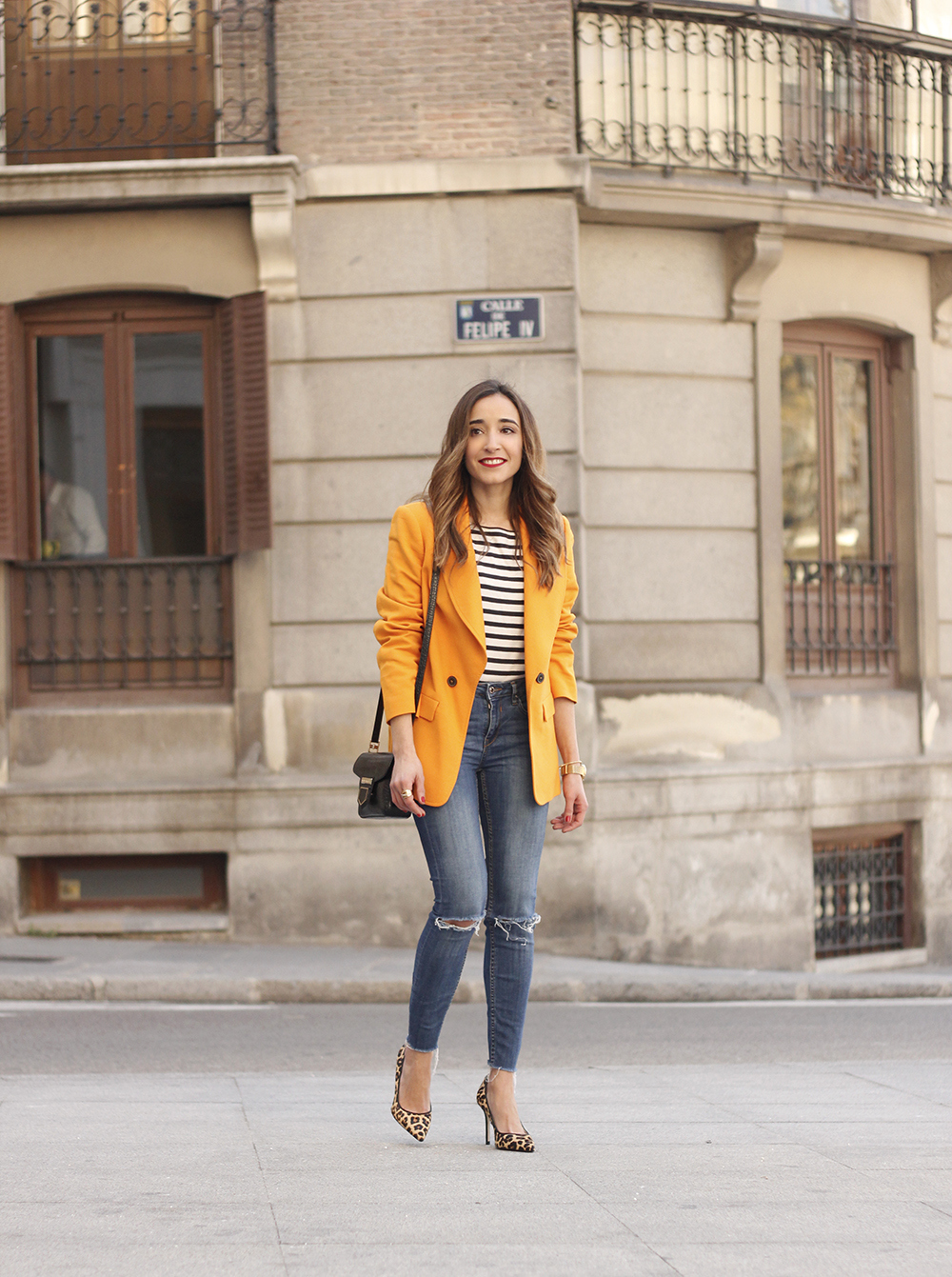 yellow blazer strippes ripped jeans givenchy bag leopard heels spring outfit 201804