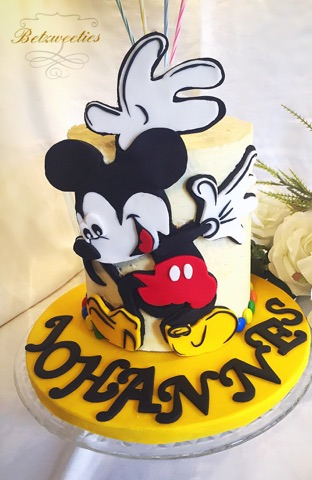 Mickey Birthday Oreo Layer Cake by Betzweeties