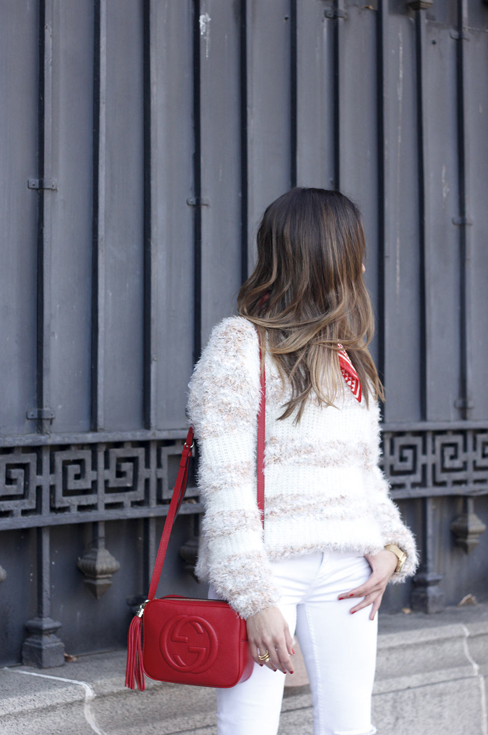 white outfit touch of red gucci bag primark hat winter outfit 201809