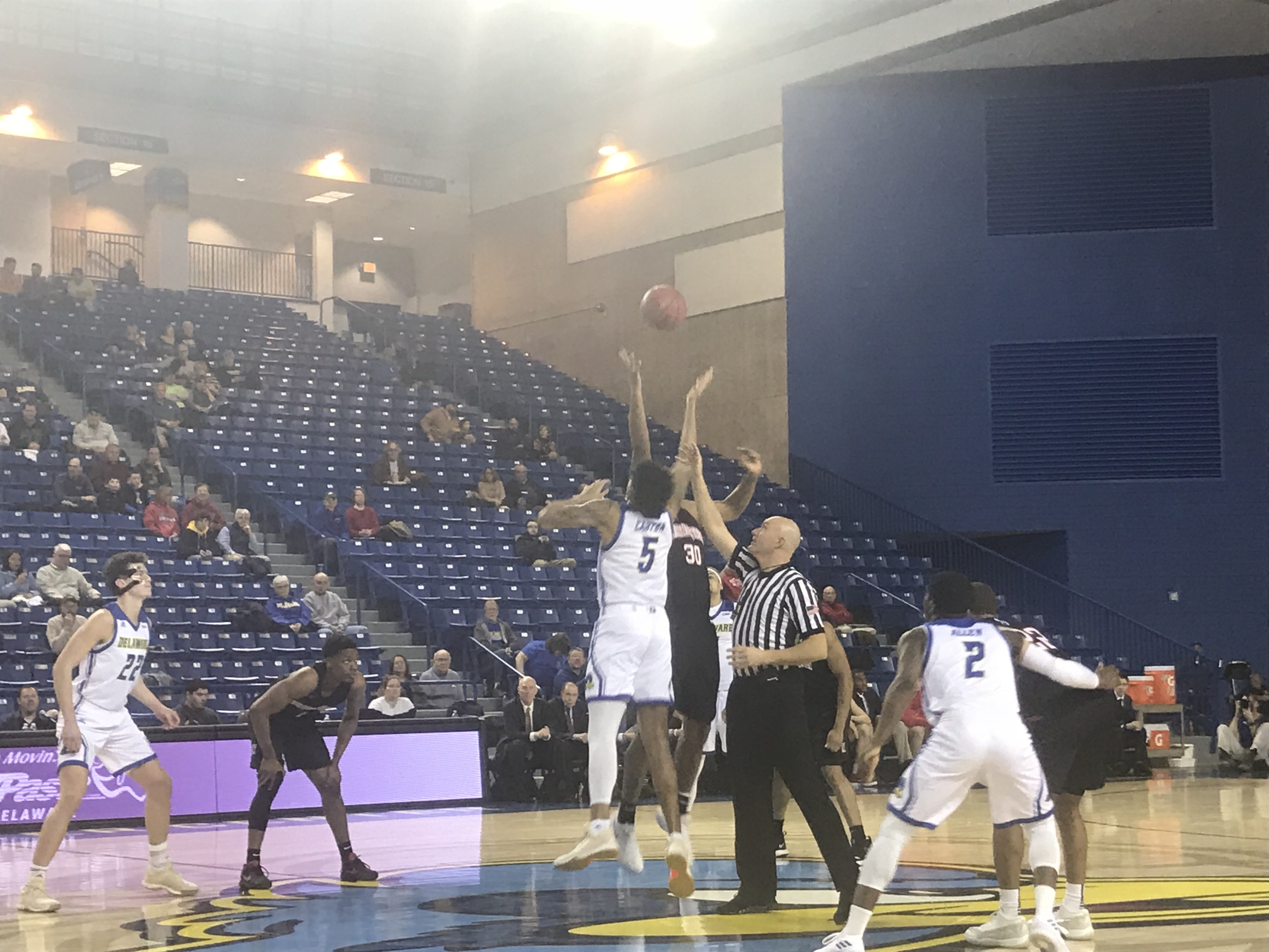 Men's and women's basketball programs moving in opposite directions