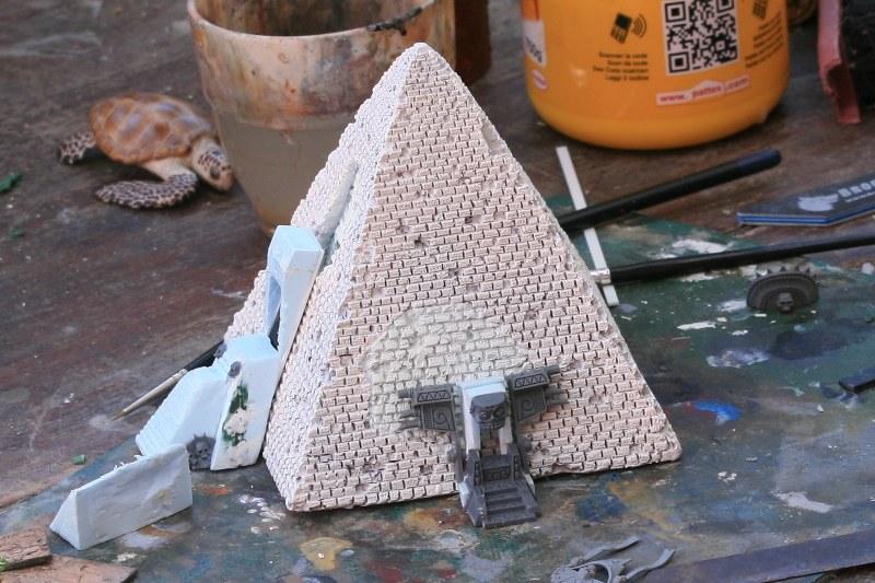 [Décors Aquarium] Une pyramide 39662160272_e25a2c9de5_c