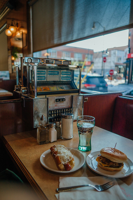Classic Diner Vibe - Greenspot