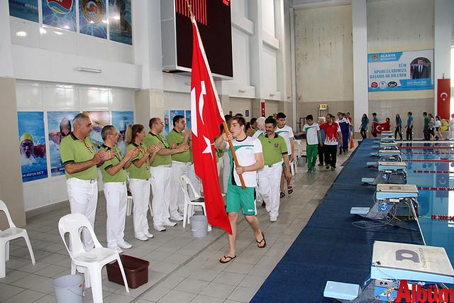 Görme Engelli Sporcular yüzme şampiyonası ve milli takım seçmesi